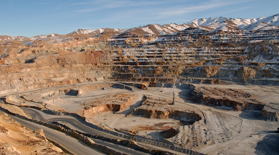 Mining business environment improves by reviewing mining laws / Economic operators need to be stable at least 10 years ahead to formulate production plans