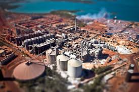 Hydro to stop Brazil alumina output, lay off 4,700 people
